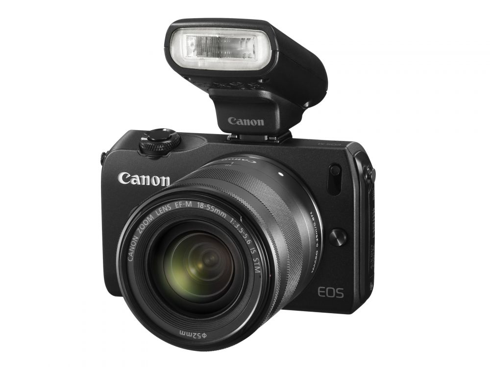 Canon EOS M váz + EF-M 18-55mm / 3.5-5.6 IS STM + EF-M 22mm / 2.0 STM objektívek + 90EX vaku (fekete)
