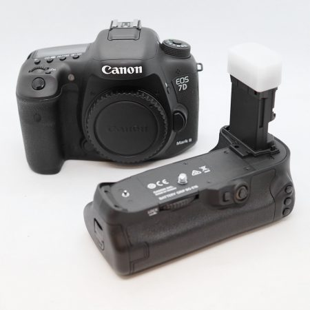 Canon EOS 7D mark II váz + BG-E16 markolat - HASZNÁLT